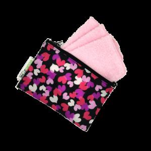 Lingettes-multiusages-rose-avec Pochette Zéro déchet-Coeurs-Fait-au-Québec-Au-Fil-des-Saisons-V2